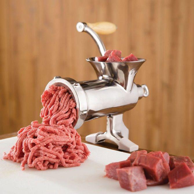 Электрическая или механическая мясорубка: что лучше для дома 1