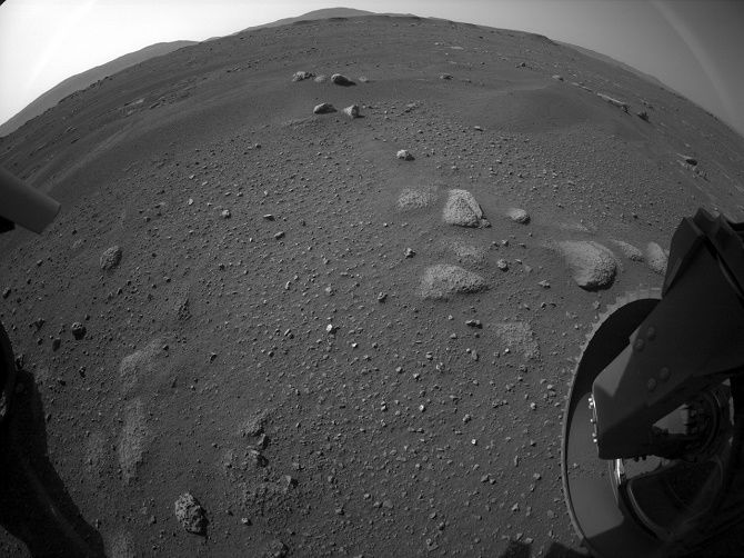 Марсохід NASA Perseverance надіслав на Землю перше відео і аудіо з Марса 3