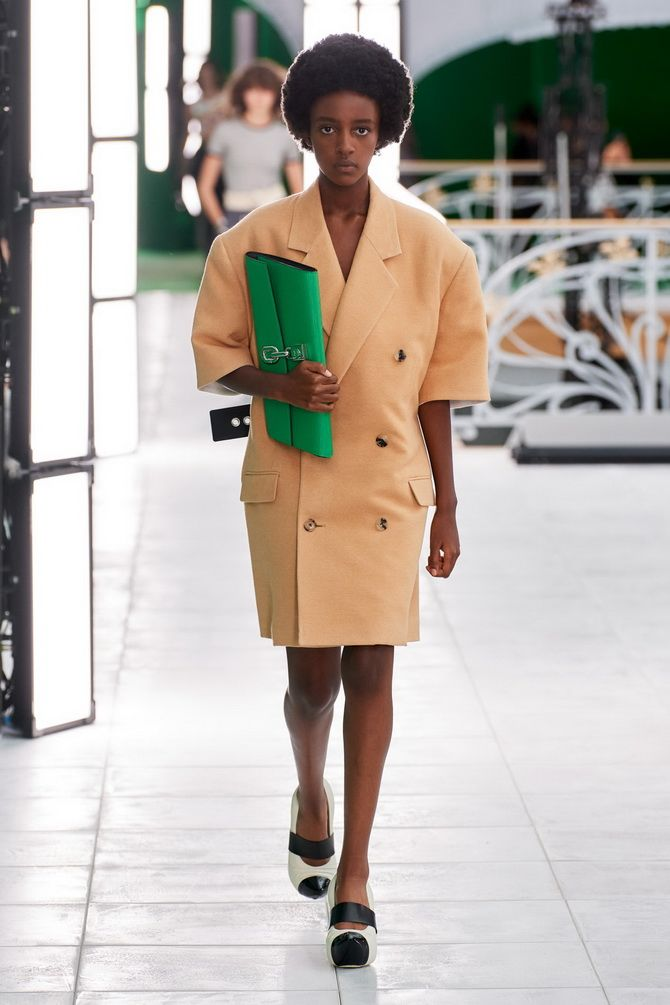 З чим носити зелений колір: фото і модні тенденції 2021 року 15