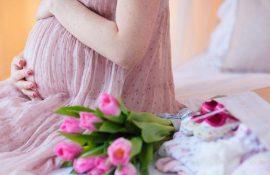 Привітання з Днем народження вагітній: вірші, проза, картинки