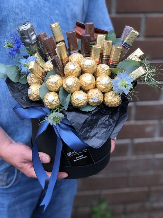 Букет на 8 березня своїми руками: креативні ідеї з паперу, з цукерок, з підручних матеріалів 22