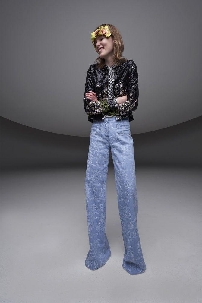 Как выбирать правильные джинсы-клеш: модные советы 9