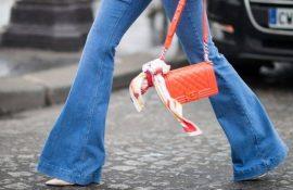 Как выбирать правильные джинсы-клеш: модные советы