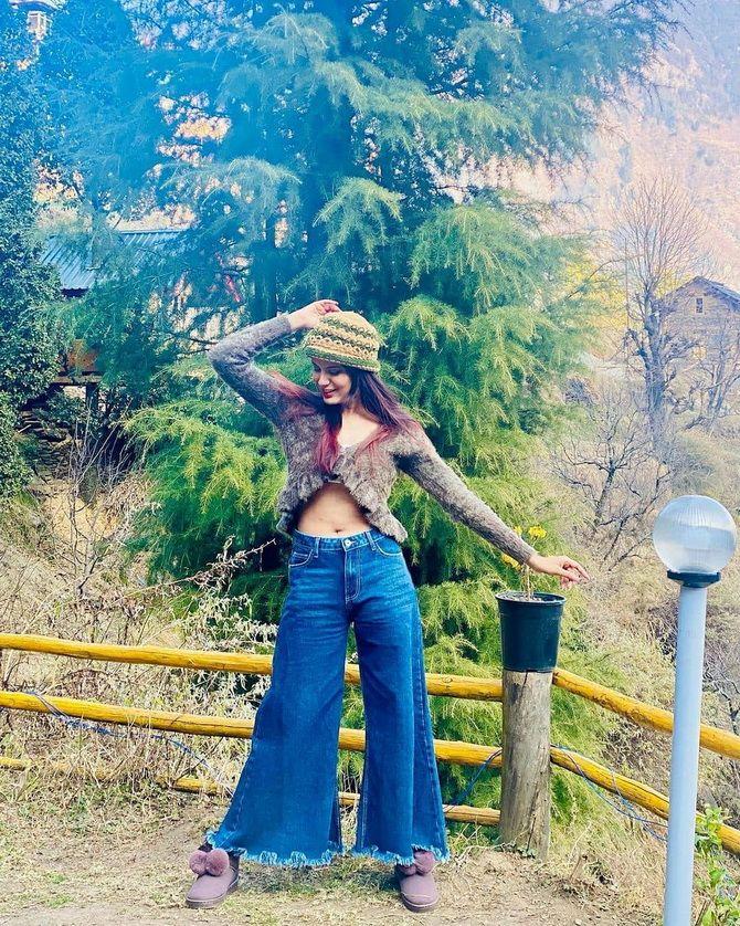 Как выбирать правильные джинсы-клеш: модные советы 20