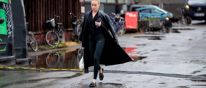Як носити лосини взимку, щоб не виглядати недолуго?