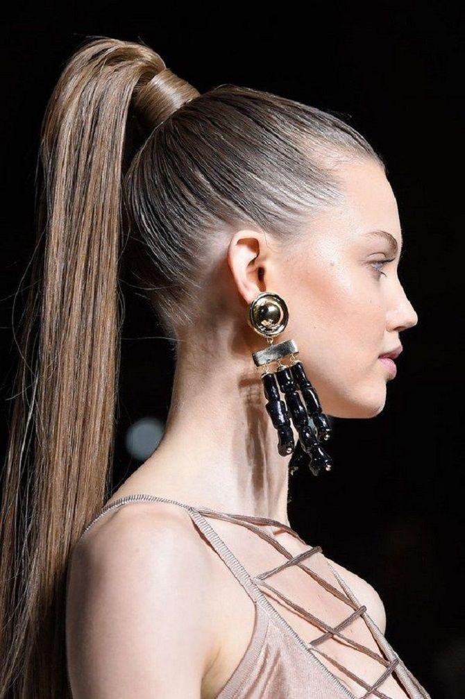 Топ-10 модних зачісок 2021 року, трендові стрижки та укладки 9