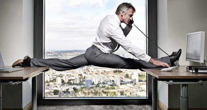 Фітнес-програма в офісі: 8 спортивних вправ для тих, у кого сидяча робота 8