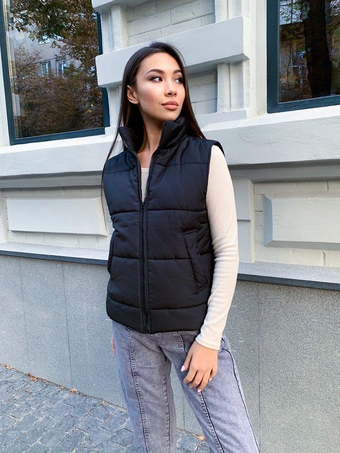 Дутый жилет – модная вещь в гардеробе каждой девушки 15