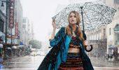 Як добре виглядати в дощову погоду навесні: 5 кращих образів