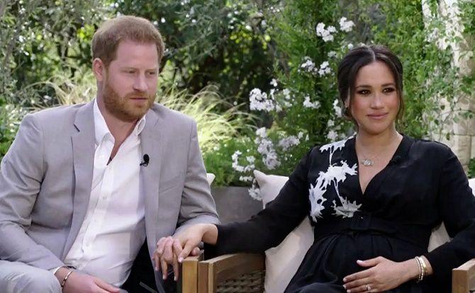 Вагітна Меган Маркл і принц Гаррі з'явилися на новому сімейному фото з сином Арчі 3