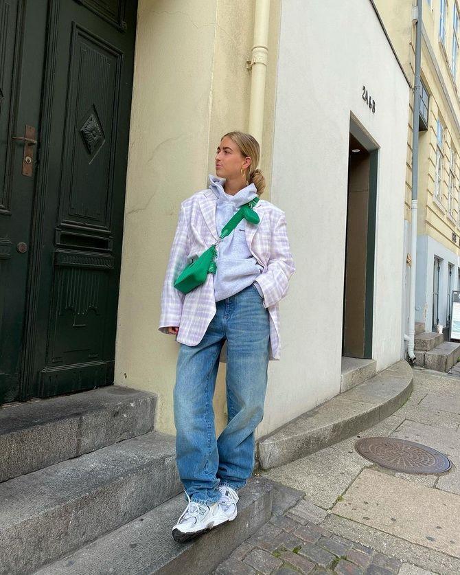 Как носить женский пиджак с джинсами — модные идеи 12