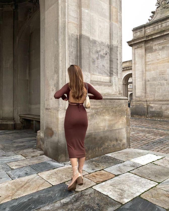 Наймодніші сукні з відкритою спиною 2021 26