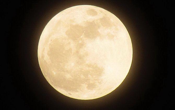 Полнолуние в апреле: Суперлуние и Розовая луна 2021 2