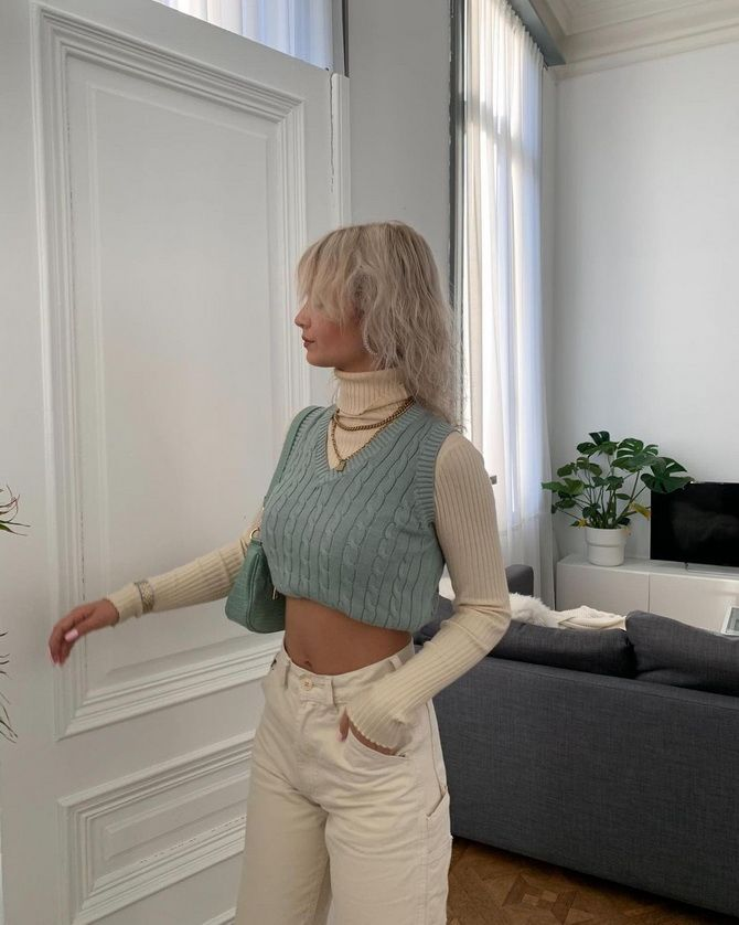 Модний трикотажний жилет в стилі препп: стильні поєднання на весну 2021 25