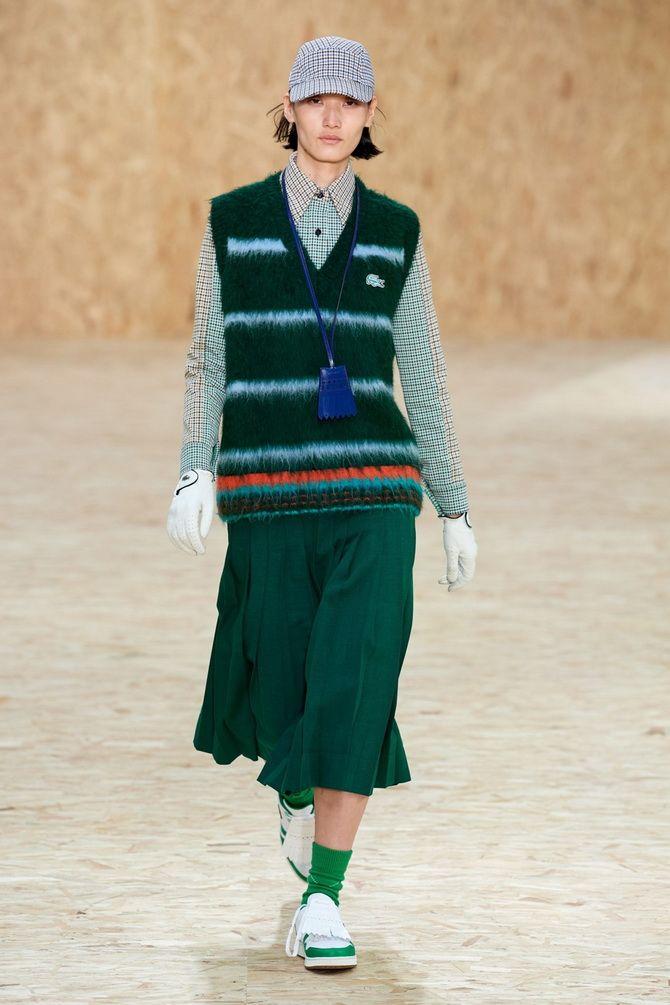 Модний трикотажний жилет в стилі препп: стильні поєднання на весну 2021 19