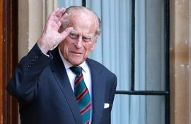 Умер муж Елизаветы II принц Филипп