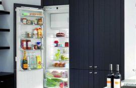 Обновляем кухню: как подобрать встраиваемый холодильник к интерьеру?