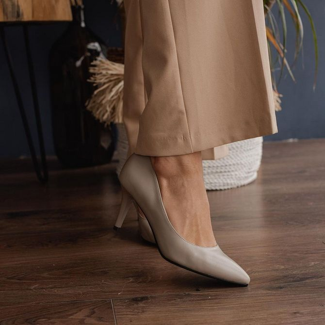 Бежеві туфлі на високих підборах – з чим носити? 5