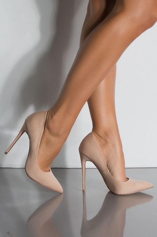 Бежевые туфли на высоком каблуке — с чем носить? 4
