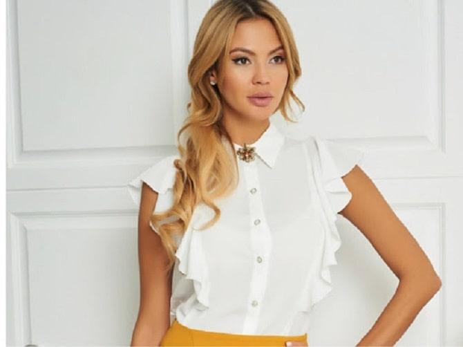 Біла блуза з воланами – найромантичніший тренд сезону весна-літо 2021 14
