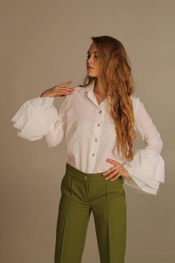 Біла блуза з воланами – найромантичніший тренд сезону весна-літо 2021 4