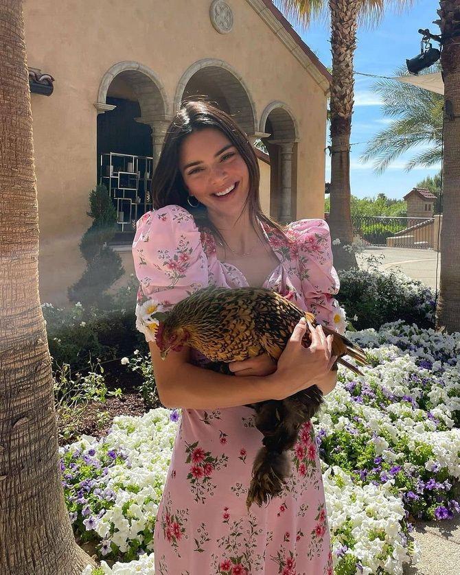 Модні сукні з квітковим принтом на весну 2021 13