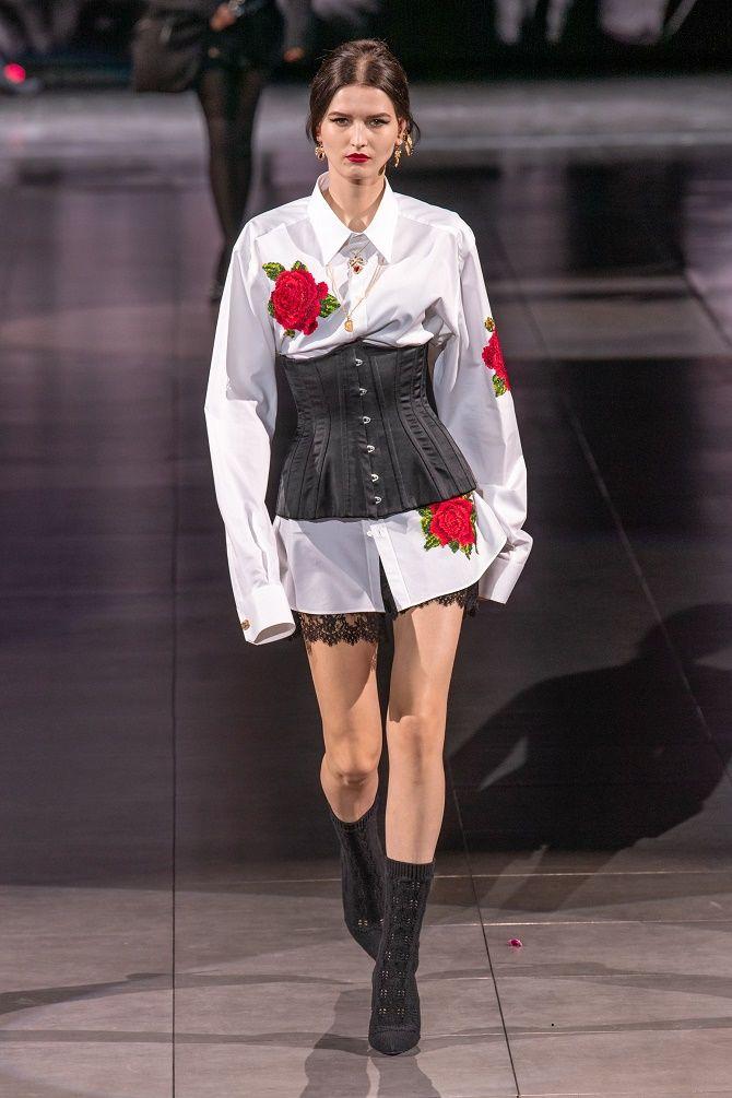 Як носити модний тренд 2021 – корсет 16