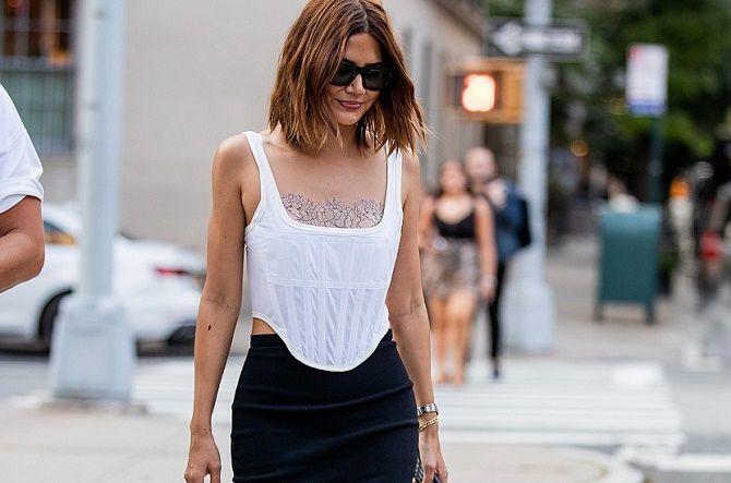 Як носити модний тренд 2021 – корсет 18