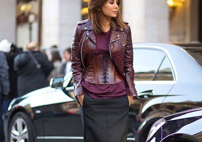 Як носити модний тренд 2021 – корсет 10