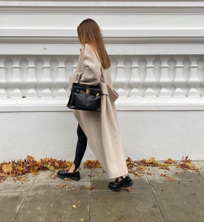 Леггинсы со штрипками: модный тренд весны и лета 2021 1