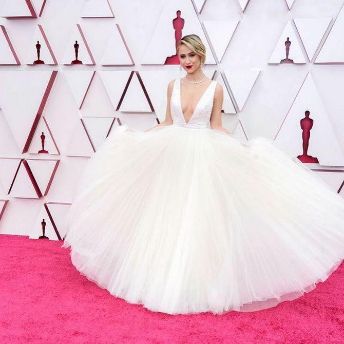 Оскар 2021: лучшие платья на церемонии 6