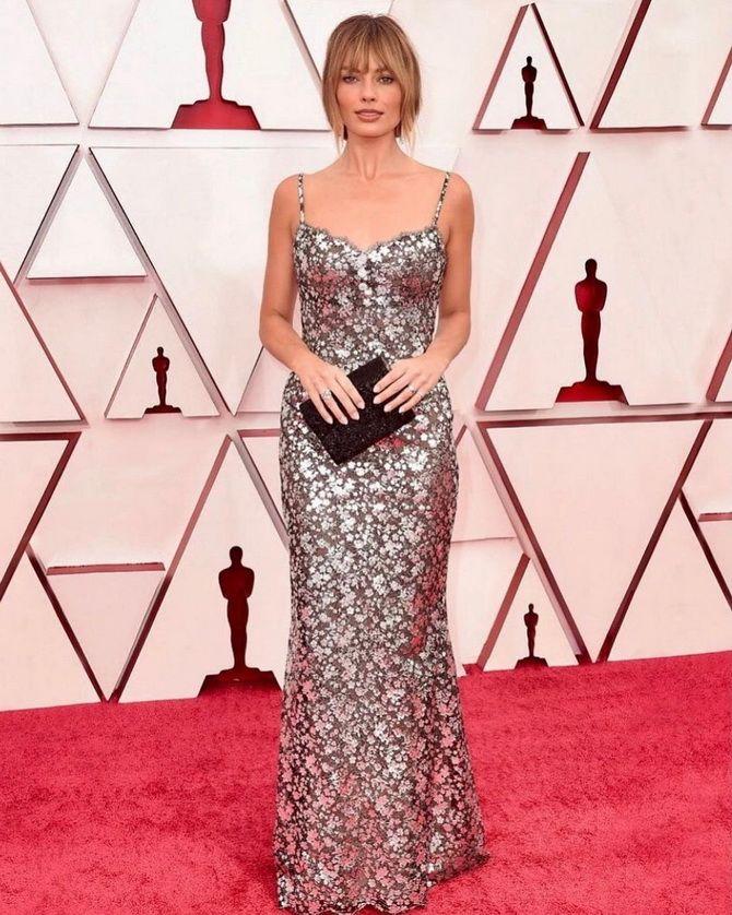 Оскар 2021: лучшие платья на церемонии 7