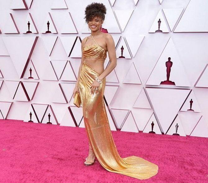 Оскар 2021: лучшие платья на церемонии 9
