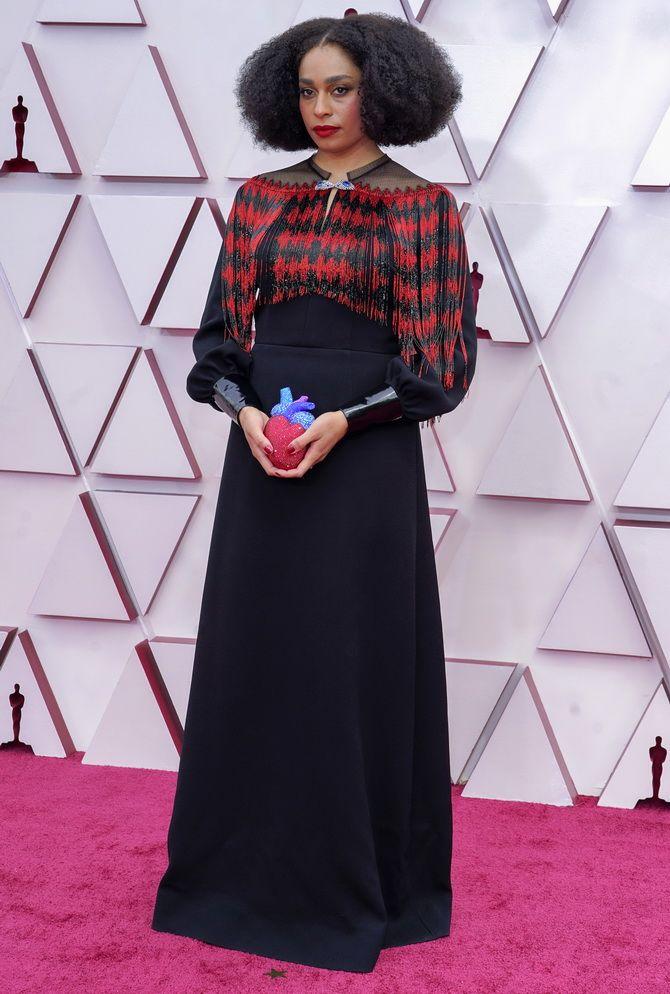 Оскар 2021: лучшие платья на церемонии 15