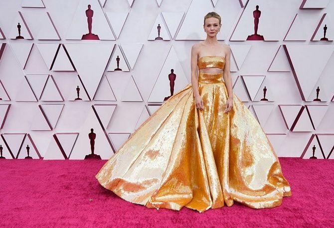 Оскар 2021: лучшие платья на церемонии 10