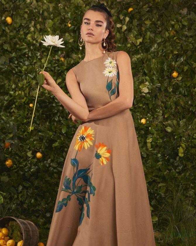 Модні сукні з квітковим принтом на весну 2021 5