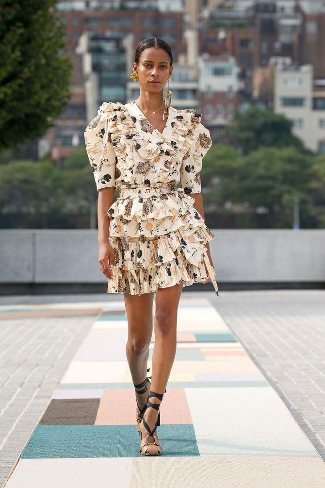 Модні сукні з квітковим принтом на весну 2021 1
