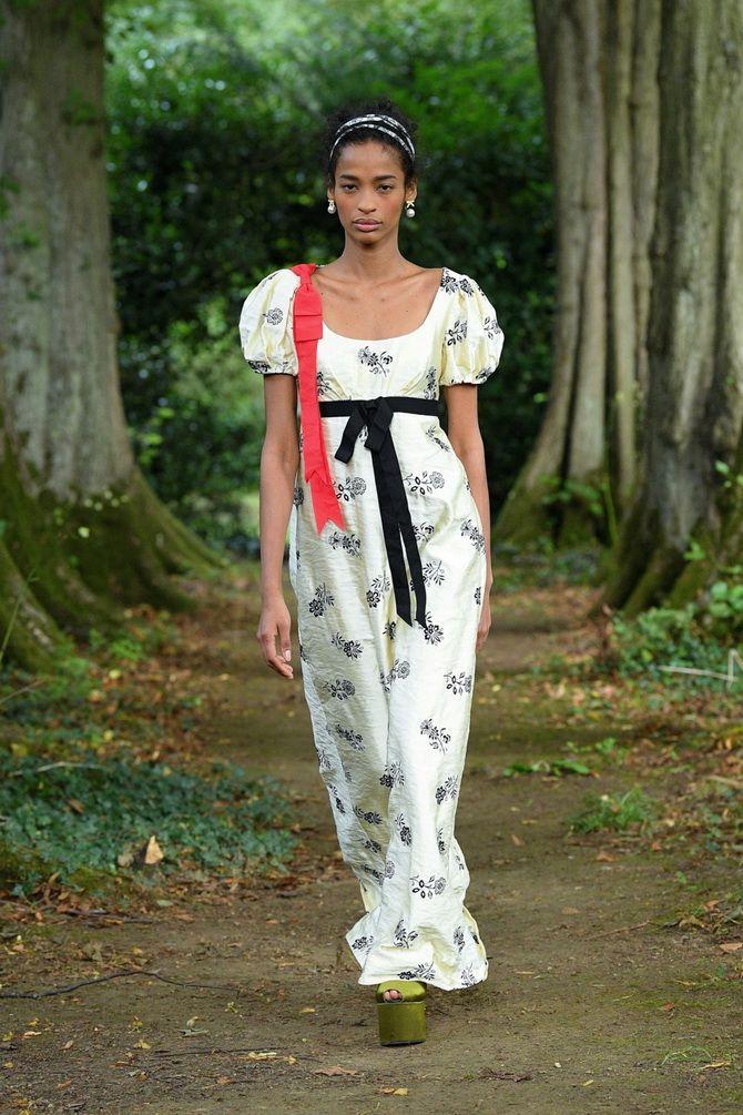 Модні сукні з квітковим принтом на весну 2021 4