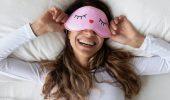 Засоби для догляду, які ми помилково наносимо перед сном