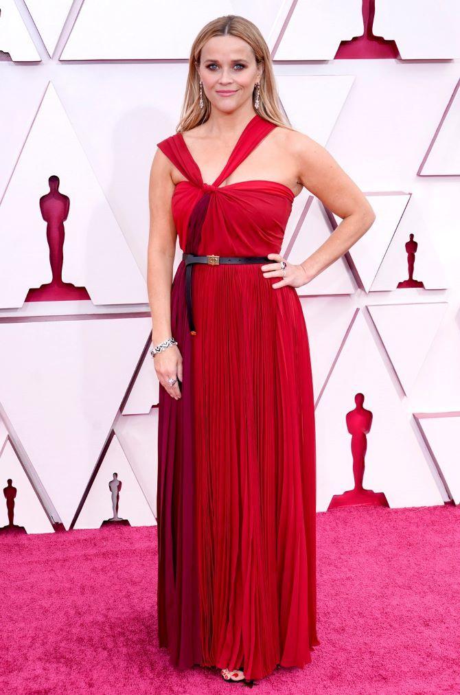 Оскар 2021: лучшие платья на церемонии 4