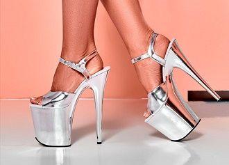 Антитренды летней обуви: что не стоит носить в 2021 году 12