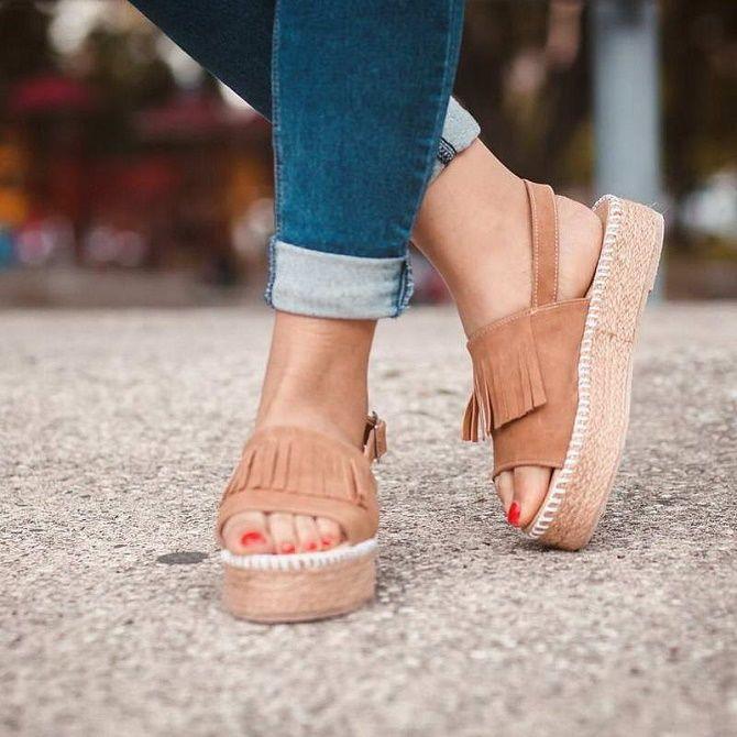 Антитренды летней обуви: что не стоит носить в 2021 году 10