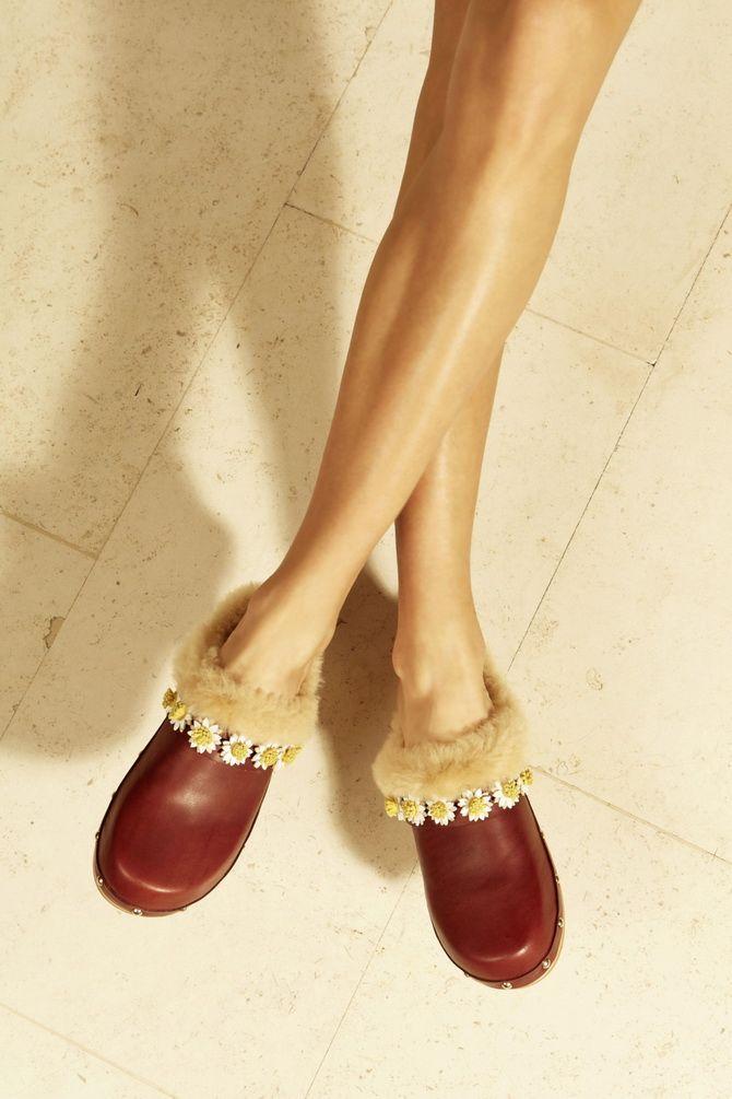 Модні клоги: актуальне взуття на літо 2021 18