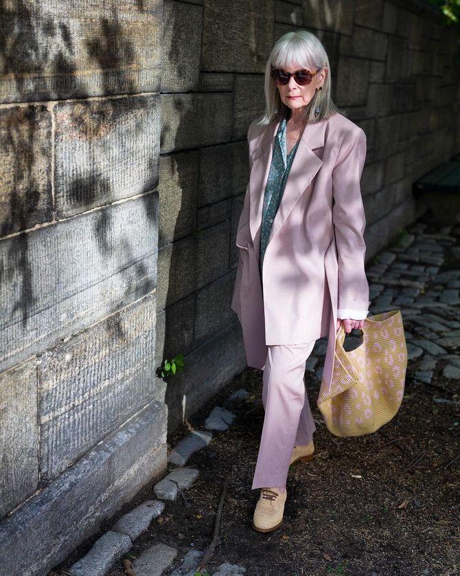 Омолаживающие цвета одежды: оттенки, которые помогут сбросить годы 14