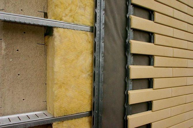 Практичность и надежность: особенности выбора материалов для облицовки дома 1