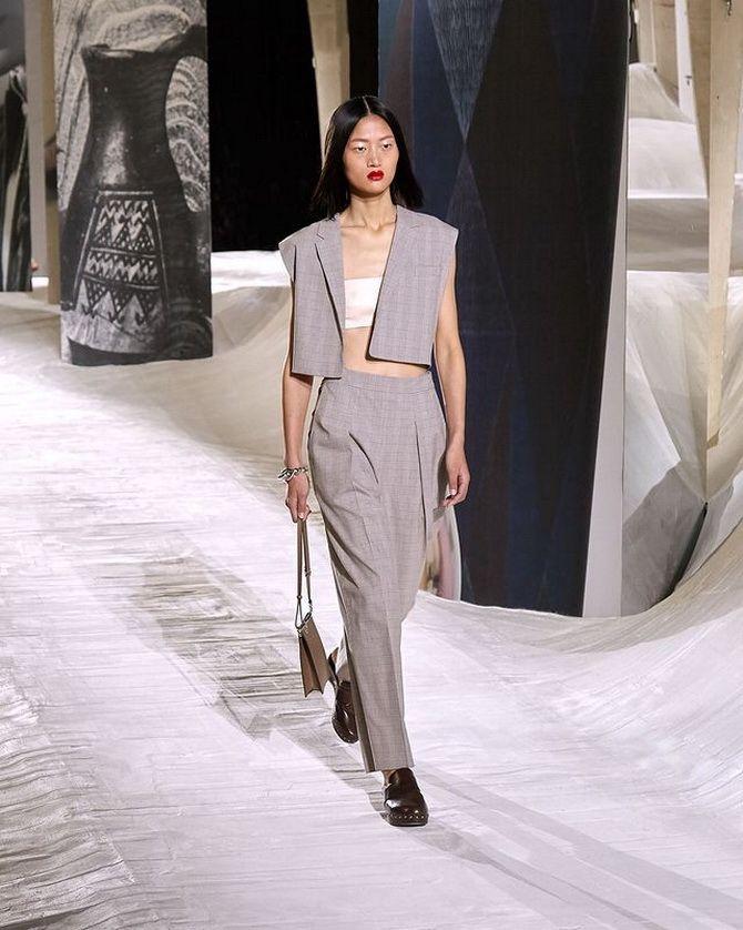 Модні клоги: актуальне взуття на літо 2021 6