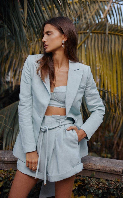 Женский костюм пиджак с шортами: основной летний тренд 11