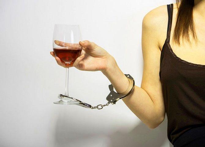 10 головних фактів, чому варто повністю відмовитися від алкоголю 11