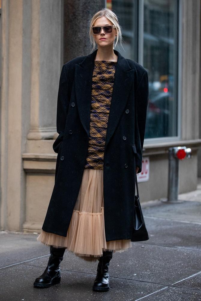 Як правильно носити модні повітряні спідниці після 45 років 1