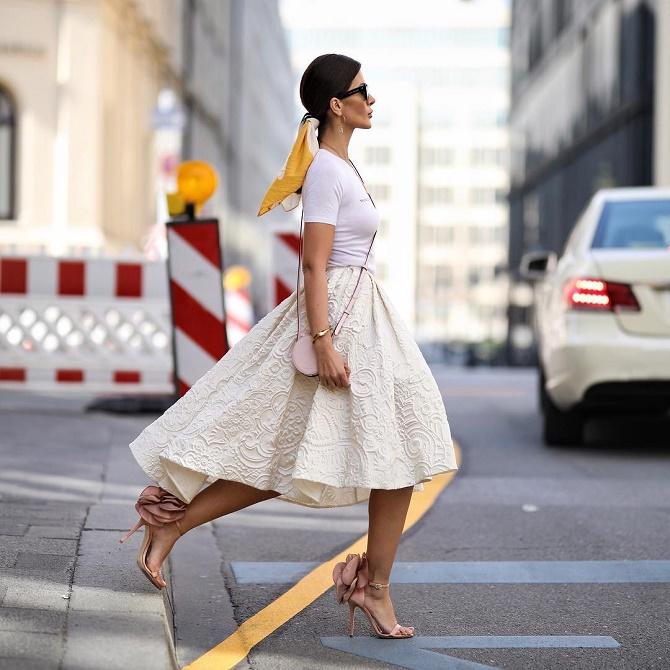 Як правильно носити модні повітряні спідниці після 45 років 5